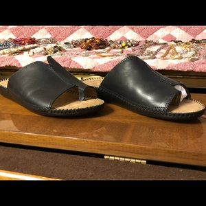 Woman's size 8 leather slider shoes